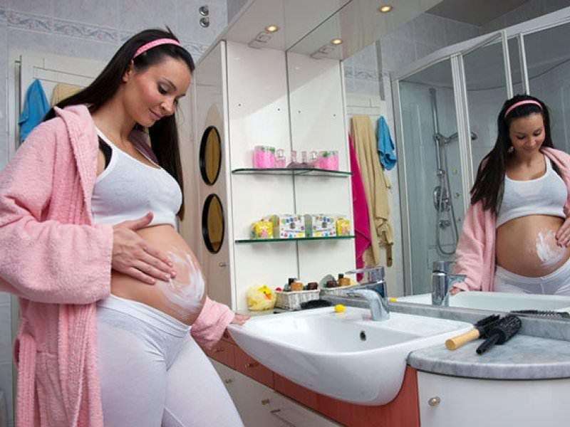 Растяжки во время беременности