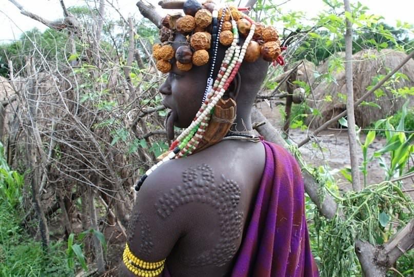 Шрамирование в африканском стиле