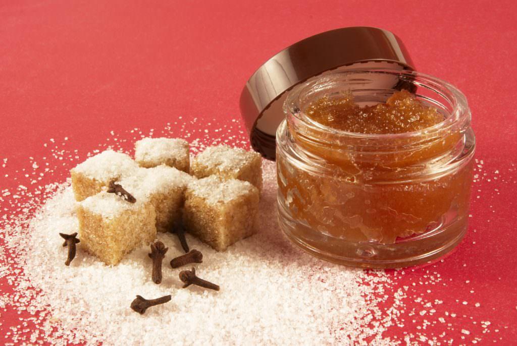 Сахарный скраб от растяжек