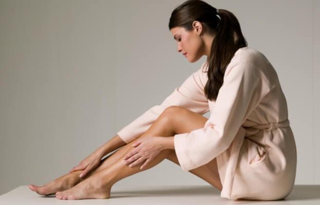 Растяжки на теле у подростков: причины и лечение